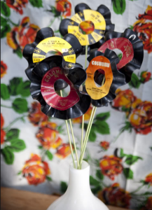 Flowers made of 45 RPM records